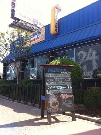 Buzzbrews 75 (25mi. from hotel) | 24 Hour Vegetarian Coffee Shop (214) 826-7100