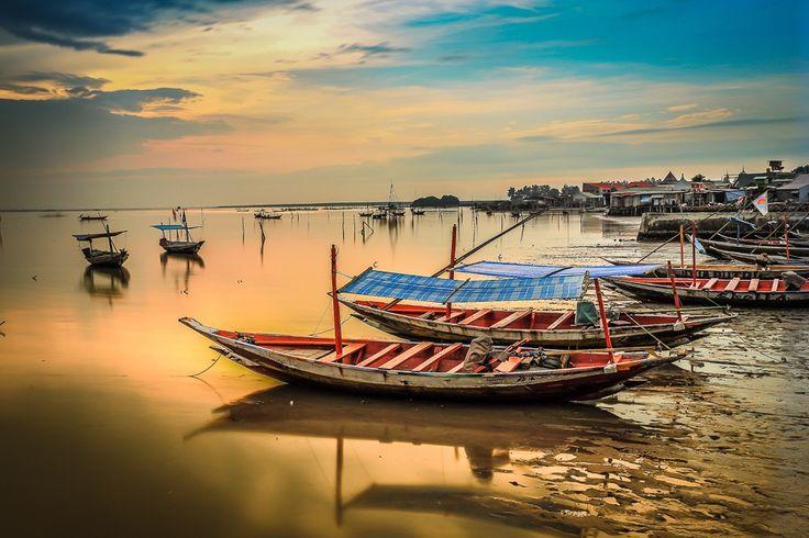 boat village by Kun Riyanto on 500px