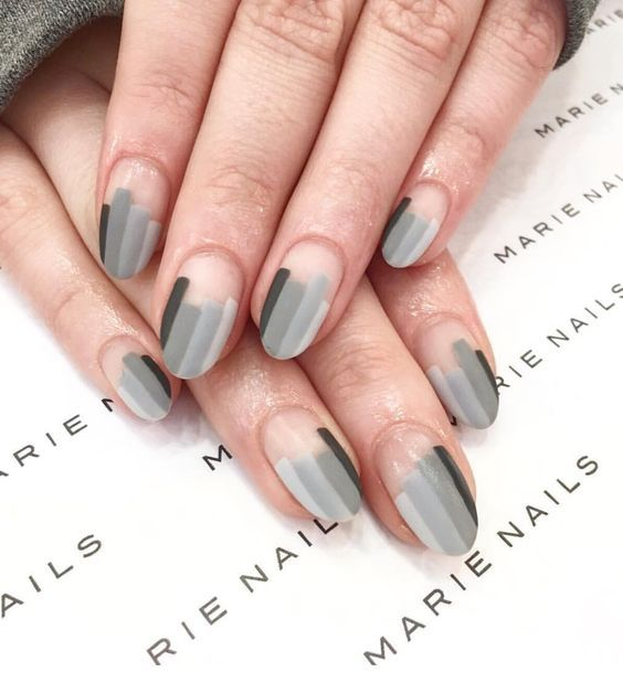 10 Negative Space Nail Art Designs: #3. Ombre Stripes