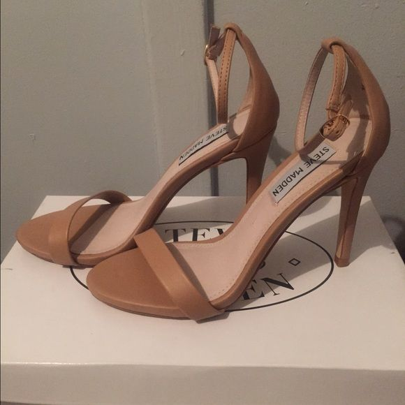 Steve Madden shoes -I DON'T TRADE❗️❗️❗️summer must have neutrals are a all year around must have !!SOLD out in several Steve Madden locations : worn to a graduation dinner for 3 hours in perfect like new condition ❗️❗️these are a 6.5 but if u wear a 6 these will fit you (runs a little small)... 3.75 inch heel Steve Madden Shoes