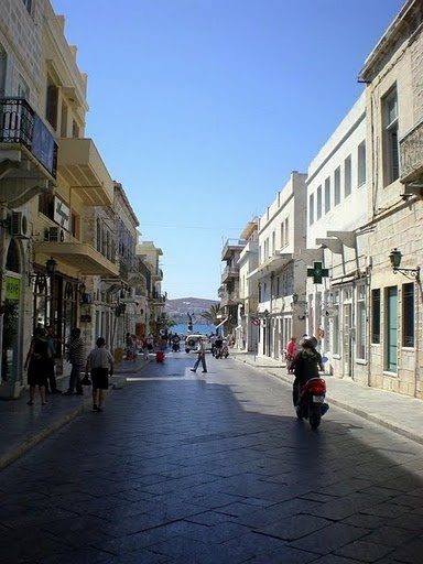 Ermoupolis, Syros (and, yes, the streets really are paved with marble) #syros