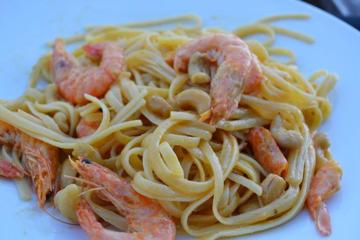 Μακαρονάδα με γαρίδες, κάσιους και σάλτσα κάρυ - Craft Cook Love