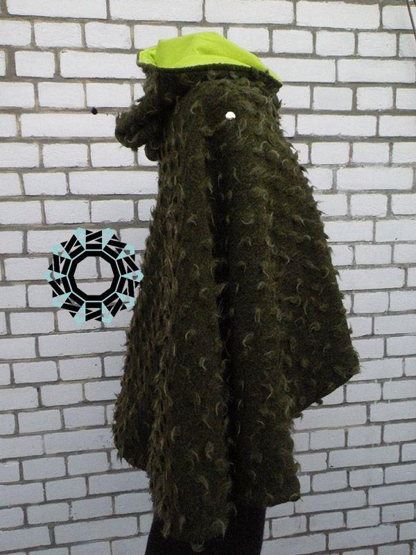 A green cape / Zielona peleryna by Tender December More: http://tenderdecember.eu/a-green-cape-zielona-peleryna/