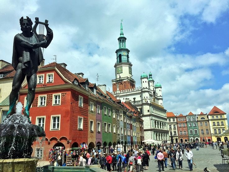 Spendenradtour Posen Poznan Polen Markt Marktplatz Rynek Bunt Summer Colourfull Market Poznan Poznancity Poznan In 2020 House Styles Mansions Landmarks