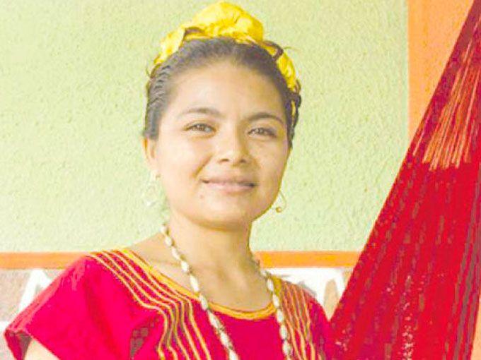 Teresita de Jesús Luis-Ojeda fue electa como alcaldesa del municipio San Dionisio del Mar, Oaxaca. Ella es la primera mujer en ostentar el cargo.El logro de Teresita representa un cambio en un pueblo en donde sólo el 32% de la población termina la educación básica y en el que las mujeres no participan activamente en los asuntos de la comunidad.Su victoria también visibiliza al pueblo huave, del cual tiene ascendencia. Este grupo indígena lleva más de 3 mil años habitando la zona del Itsmo de…