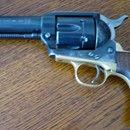 Hege-Uberti Mod. AMERICAN-BUNTLINE .357Mag: Prodám SA Hege-Uberti Mod. AMERICAN-BUNTLINE .357Mag. zajímavého výrobního čísla 888. Revolver byl používaný asi na western, brynýr je částečně otřený (není to zbraň greenhornů), ale vnitřní díly - mechanizmus ve velmi dobrém stavu (vážnému zájemci můžu poslat foto), tak moc zase nechodil, spíše se nosil v pouzdře, velice slušný chod, široká muška. Revolver prostě ve stylu jaký požadoval Bat Masterson, to byl i důvod mé koupě. Prodávám proto, že…