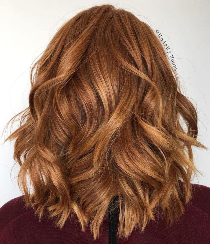 Honey-Gold Medium Wavy Bob | Wavy bob hairstyles, Medium wavy bob, Medium curly hair styles