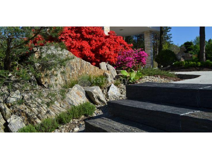 Břidlicové bloky sou vyrobeny z přírodního kamene