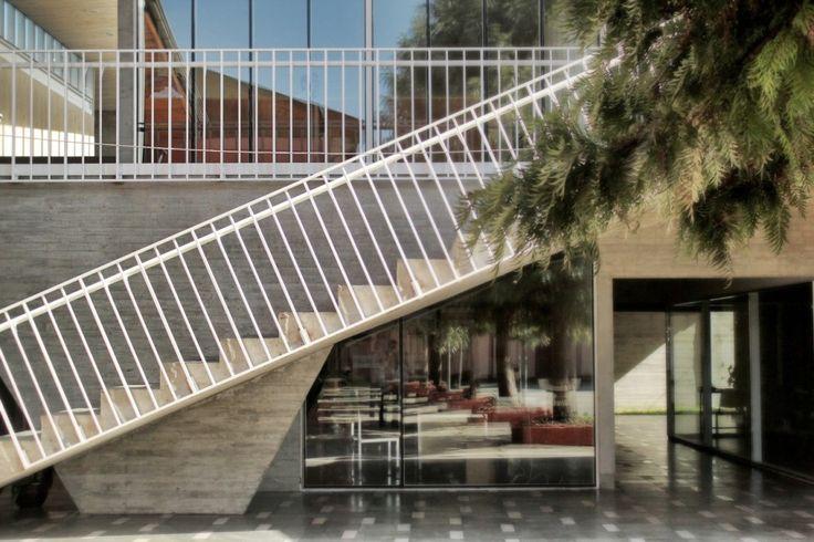 Edificio adm liceo Ma. Aux