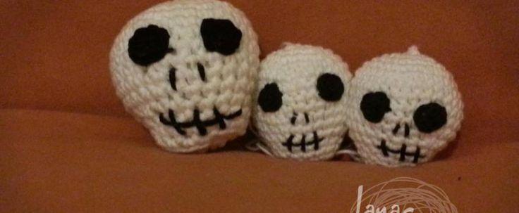 Free Amigurumi Skull Pattern : Oltre 1000 immagini su Amigurumi su Pinterest Motivo ...