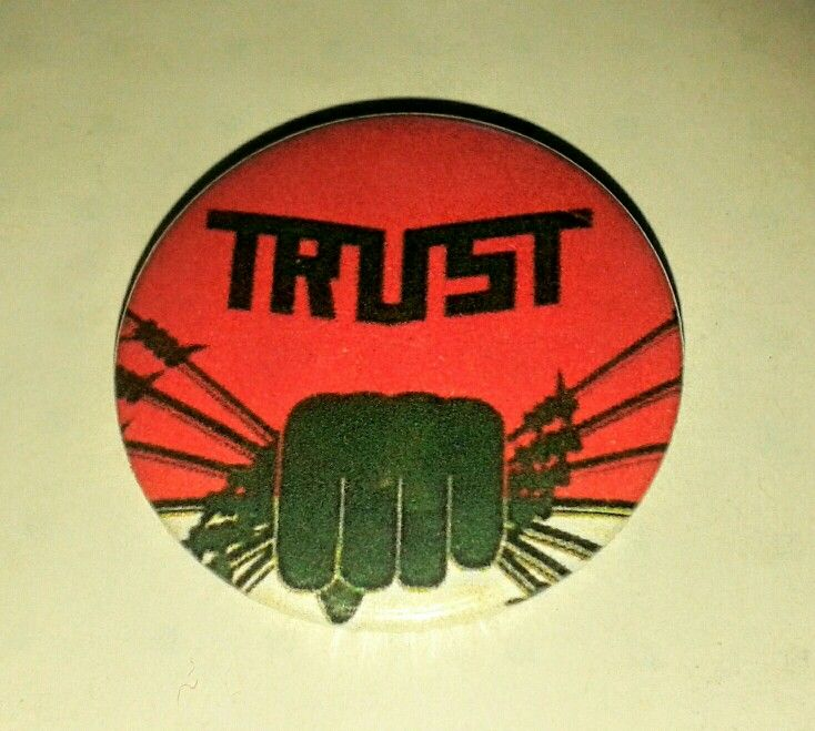 Trust ,France .pin button