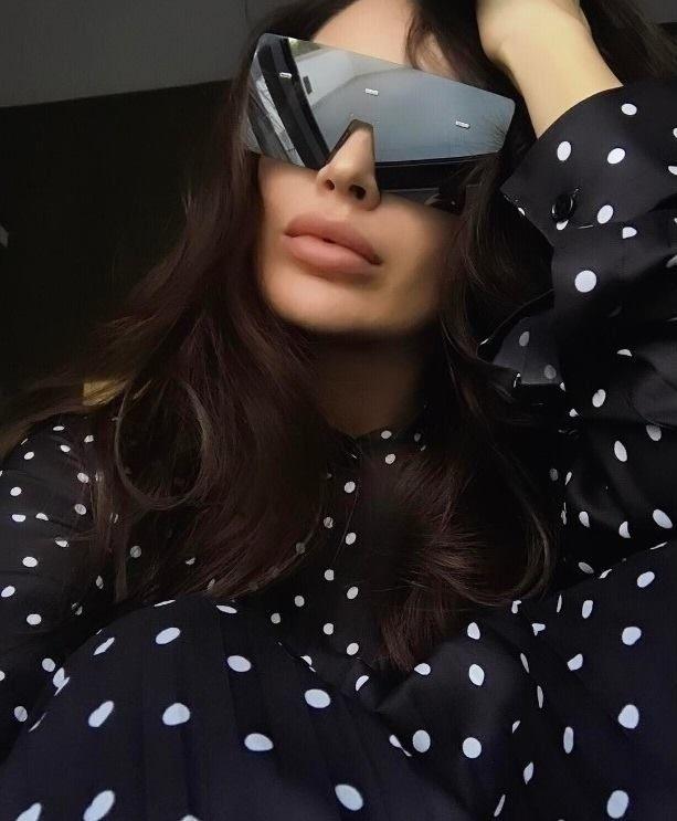 0f69c75ebad Aquele óculos de sol pra quem tem estilo! Quem usaria   oticaswanny  dior   dioreyewear  diorhardior
