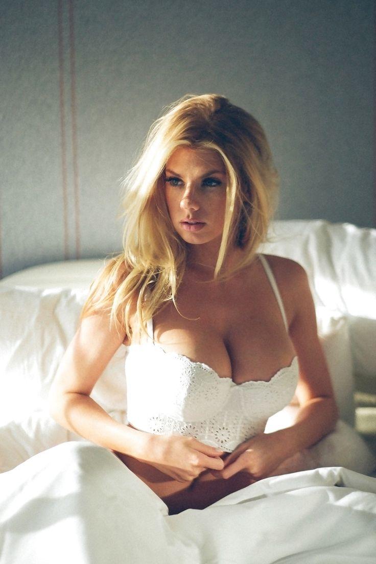 248 best busty milf images on Pinterest | Beautiful women ...