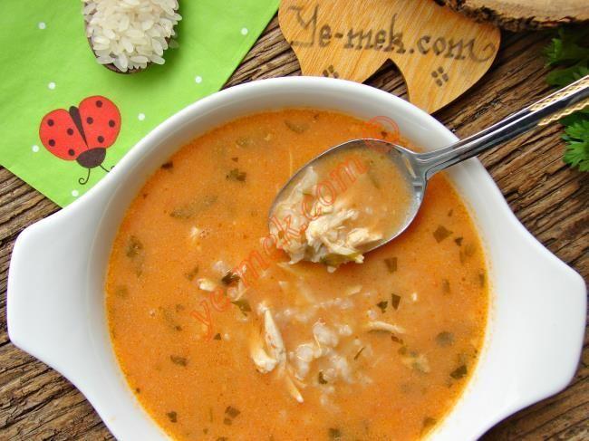 Tavuklu Pirinç Çorbası nasıl yapılır? Kolayca yapacağınız Tavuklu Pirinç Çorbası tarifini adım adım RESİMLİ olarak anlattık. Eminiz ki Tavuklu Pirinç Çorbası ta