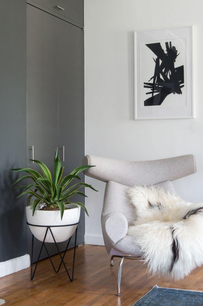 A Striking, Artful SoHo Loft. Modern Accent ChairsBlack Living ...
