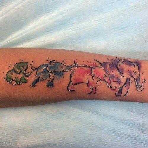 die besten 25 elefantenfamilie tattoo ideen auf pinterest. Black Bedroom Furniture Sets. Home Design Ideas