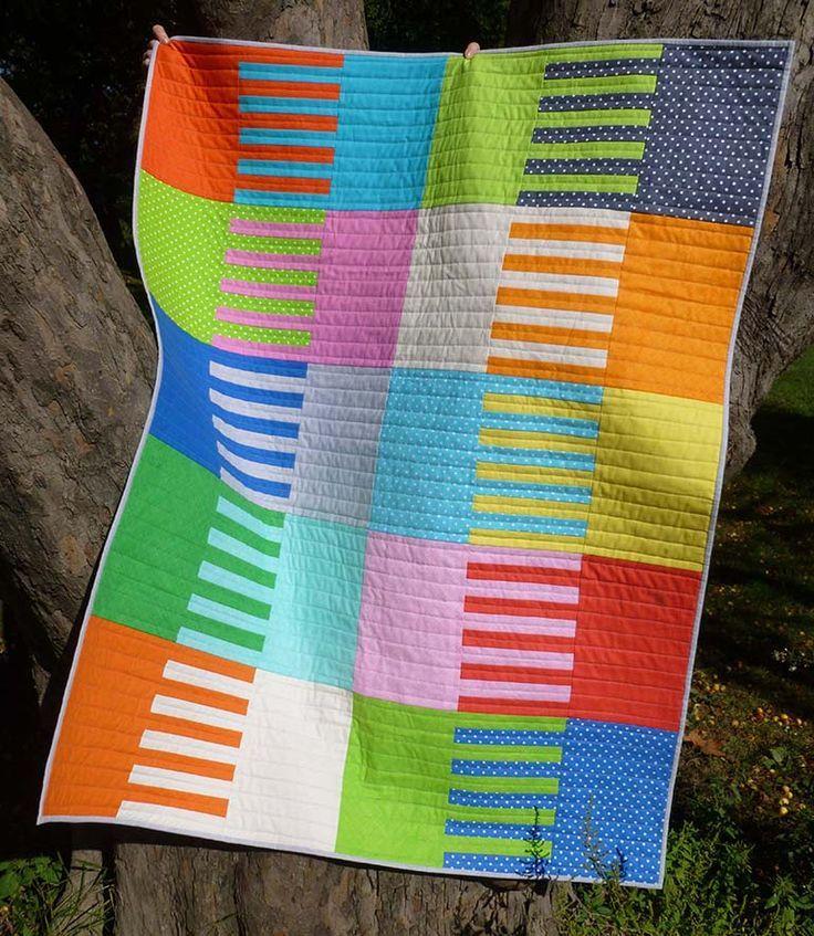 Shutter Quilt Mandy Munroe http://www.ttfabrics.com/shutter-quilt-tutorial/