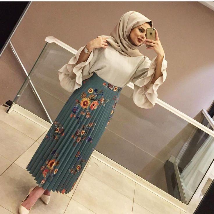 Hijab Fashion | Nuriyah O. Martinez | 1,742 vind-ik-leuks, 27 reacties - °ŞEVVAL GİYİM SULTANBEYLİ° (@sevvalgiyim) op Instagram: 'CİCİLERDENNN Etek 75₺ Bluz 75₺'