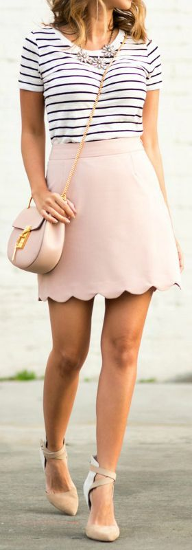 The skirt is so stinkin' cute! 25 Great Summer Outfits to try | The Crafting Nook by Titicrafty