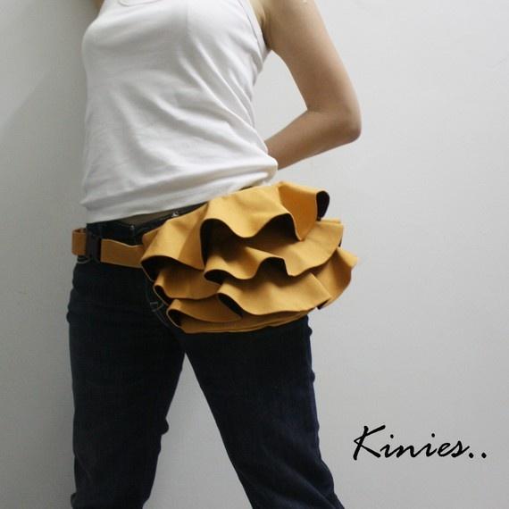 Mom-wear that doesn't suckWaist Purses, Hip Bags, Shoulder Bags, Bags Baggage, Pur Pattern, Fabulous Fashion, Ruffles Waist, Bags Fanny, Fanny Pack