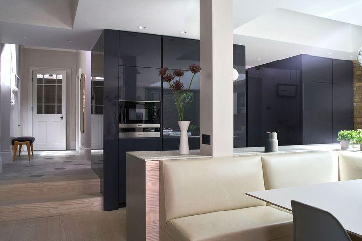 Robinson van Noort - Contemporary Residential Design, London - Barnes, London  #kitchen #bespokekitchen #hallway #joinery #robinsonvannoort #interiordesign #refurbisment #interiorarchitecture #residential #twohousesputtogether