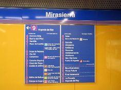 Me aseguro de coger la linea adecuada de metro porque a veces voy medio dormida.