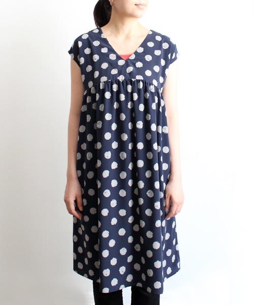Love this SARO dot dress: Pokka Dots, Dots Dresses, Diy Sewing, Blue Looks 1, Diy Fabrics, Blue Clothing, Sewing Inspiration, Austen Inspiration, Japanese Sewing