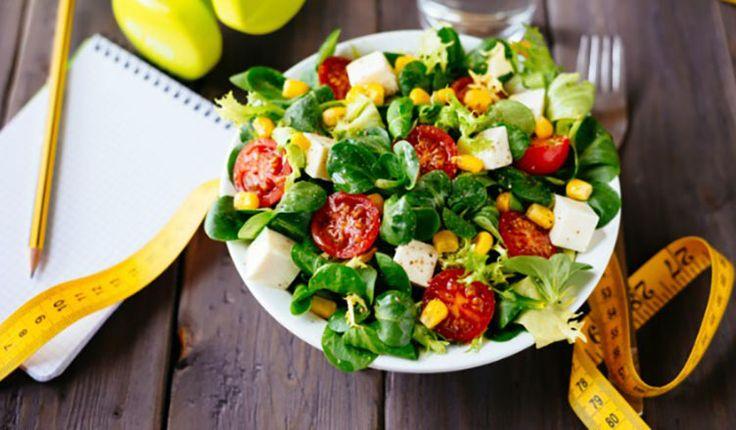 Diyetimde ne yiyeceğim diye düşünmenize gerek kalmadan, düşük kalorili ama çok lezzetli bu tarifleri deneyebilirsiniz. Bu yemekler hem zayıflamanıza yardımcı olacak hem de sağlıklı bir şekilde kilo vermenizi sağlayacak. İşte diyetlerinizde kullanabileceğiniz düşük kalorili diyet
