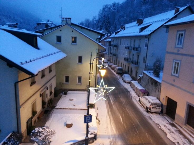 29/01/2014 ~ Gita di 5 giorni a Tarvisio | Abbiamo sciato e abbiamo percorso sentieri innevati con le ciaspe. INDIMENTICABILE  La miglior gita fin'ora fatta!