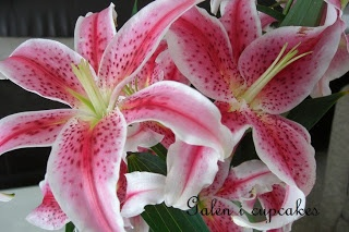 Galen i cupcakes: Blommor i hemmet - vackra liljor