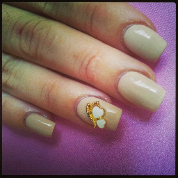 Heart Duo manicure jewel from www.nailcandi.co.za Easy to apply and totally re-usable!