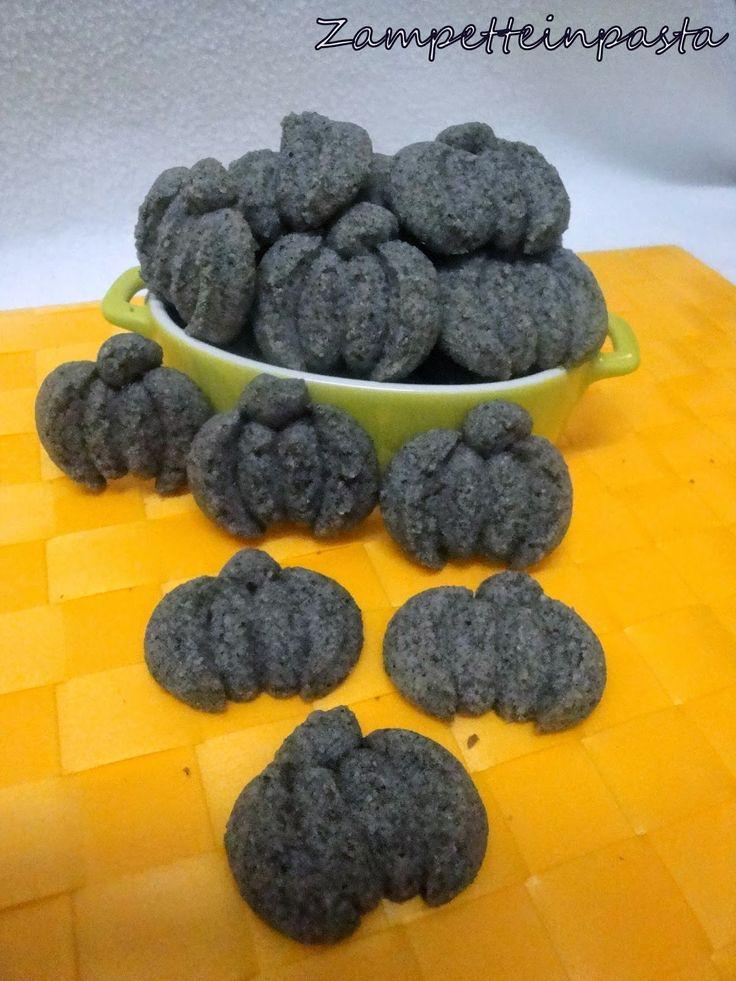 Biscotti con farina di riso nero venere - Halloween biscuits