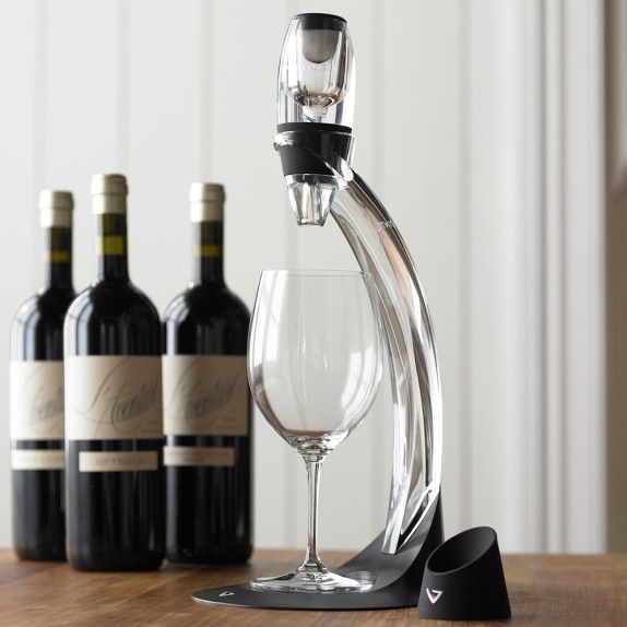 In the time your wine takes to fill up the glass from the bottle, the Vinturi Wine Aerator Tower Gift Set ensures to bring you the best flavor from it.