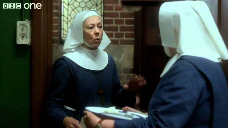 Chummy Arrives at Nonnatus House - Call The Midwife - Series 1 Episode 2...