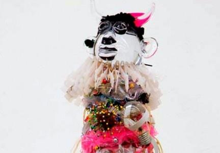 poupée de Pascal Martine Tayou