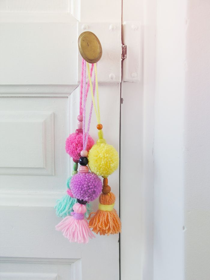 Pompom tassels (how to in Spanish)