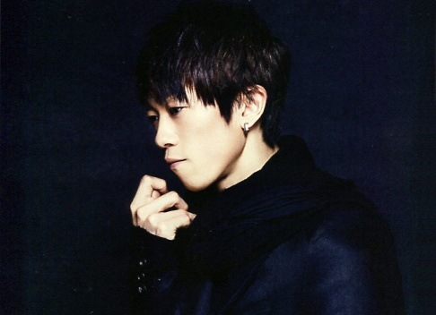 Yukihiro (L'Arc~en~Ciel) in WHAT's IN? (Japan music magazine) 2013. J-rock.
