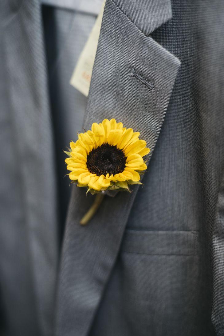 Baby Yellow Sunflower Boutonniere | Photo: Misty Nolan Photography