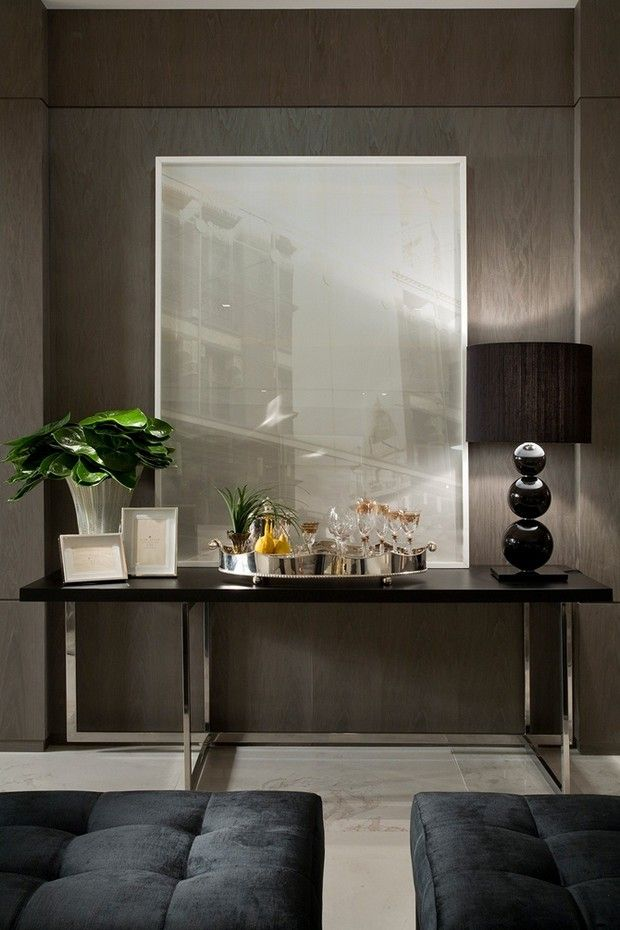 15 Console tables for luxury foyer design: Large and small console tables look elegant and personalize rooms. we share with you  15 luxury foyer designs integrating console tables into entryway designs and creating beautiful home interiors, comfortable and inviting.