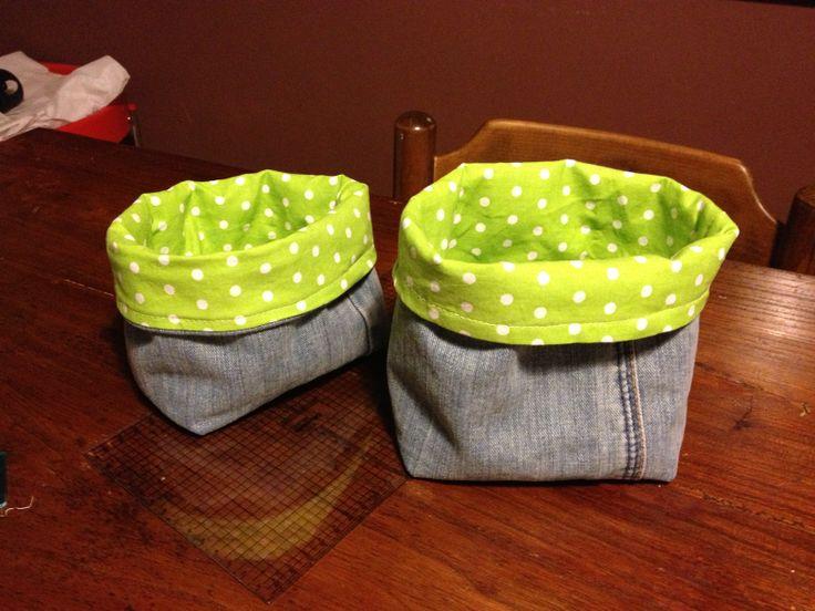 cestini portatutto con jeans riciclato