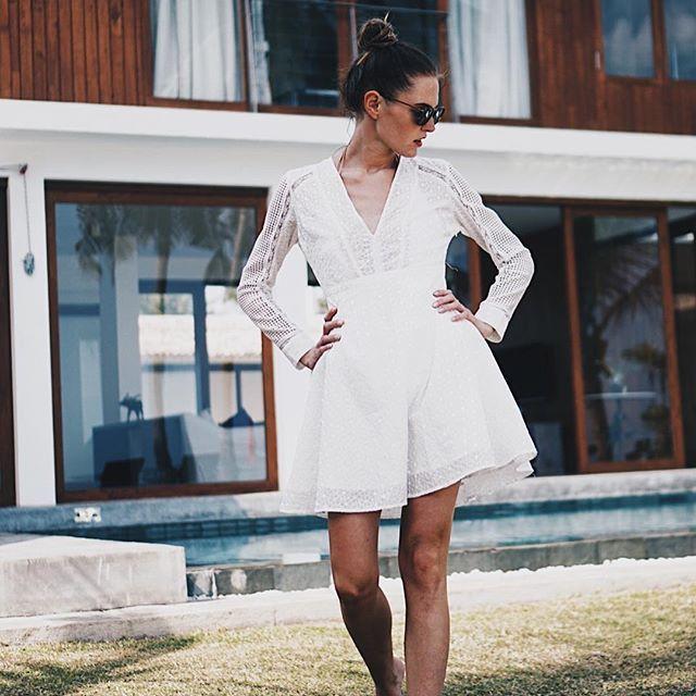 strolling around this beautiful place 💃🏻 dress @stormandmarie  ___________________ #wmnswr #dress #stormandmarie #outfit #ootd #instatravel #travelgram #mirissa #lantern #lanterncollection #srilanka #beach #fashiondiary #bloggerstyle #blogger_de #germanblogger #fashionblogger #fashion #fashionblogger_de #fashiondaily #travelgram #wanderlust