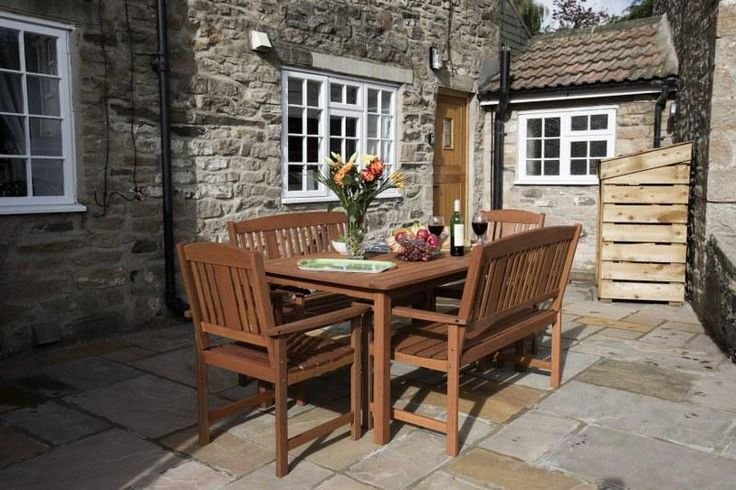 Settle down to lunch al fresco on the sheltered stone patio.