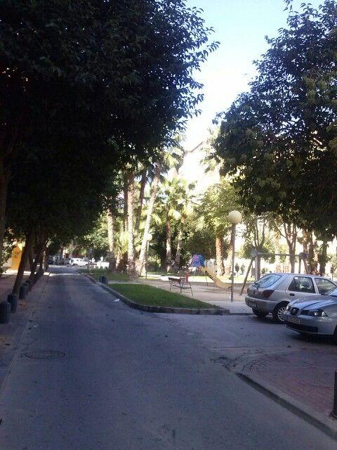 21 octubre 2013, calle del Búho Azul. Calor y mucha luz