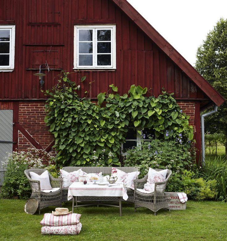 Möblera trädgården med sköna utemöbler - Sköna hem