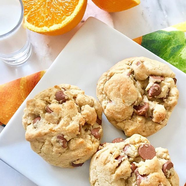 Needing a little Sunshine?! My Sunshine Milk Chocolate Orange Cookies are sure to bring some in!~Amy☀️🍊🍪 For my recipe: www.greattastebuds.wordpress.com Search cookies🍪 • • • #cookies #chocolate #recipe #orange #chocolatechipcookies #sunshine