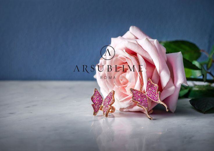 Flora collection, pink gold, sapphires and diamonds. #flora #arsublime #closeup #gioiellitaliani #roma #italianartisanaluxury #passion #goddess #spring #sapphires #butterflies #designjewelry