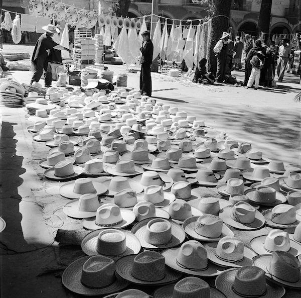 Foto d'archivio - Il Post cappelli hats