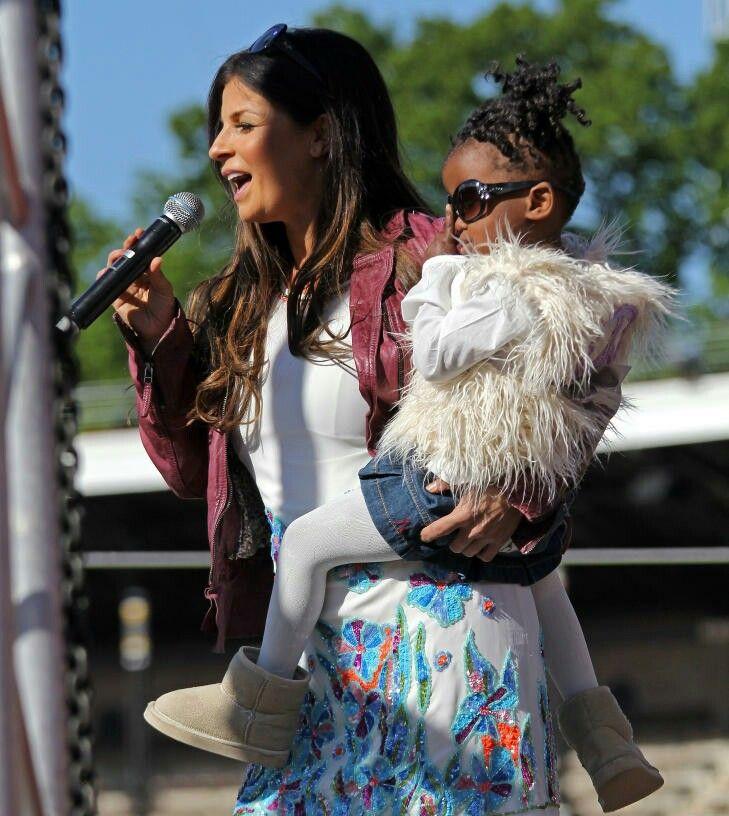 Carola et sa fille adoptive Zoé -née en 2009-