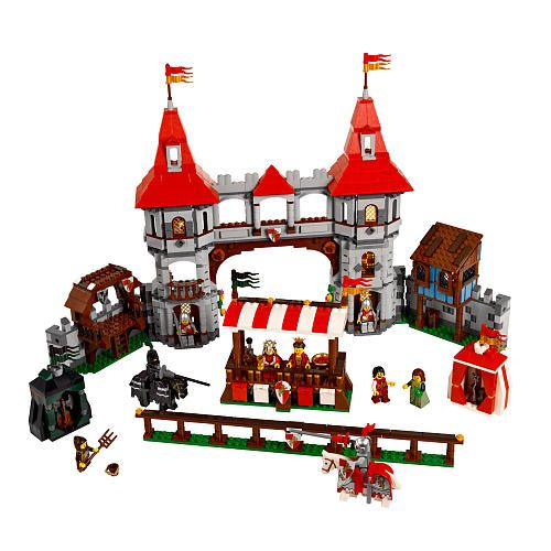 The Joust Set has a lot of great minifigures and fun stuff to add to your Lego Castle collection.