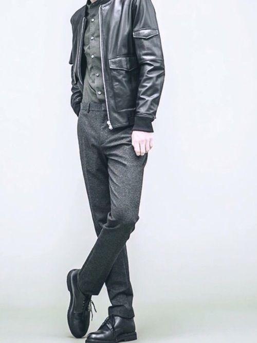 ゆるゆる系好きではないのでスッキリとしたカジュアルな秋コーデ。 黒ベースですがカーキを入れることによ